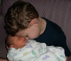 Avoid Sibling Rivalry When Bringing New Baby Home